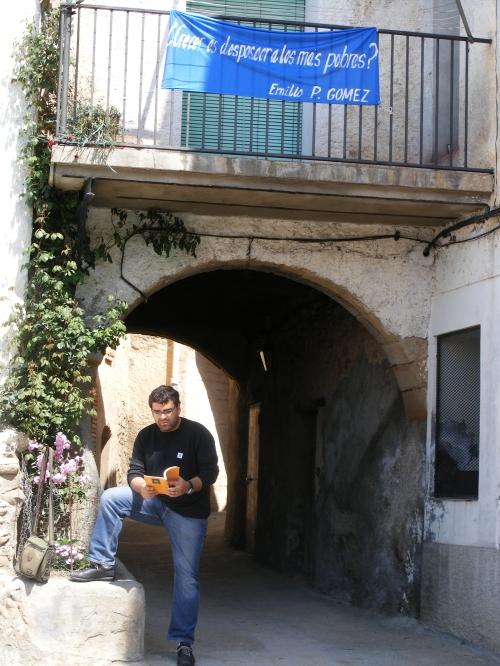 Ricardo Díez recitando sus poemas