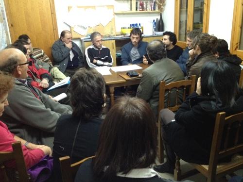 Fotografía de la reunión llevada a cabo ayer en nuestro Salón Social (Foto: Carles Barrull).